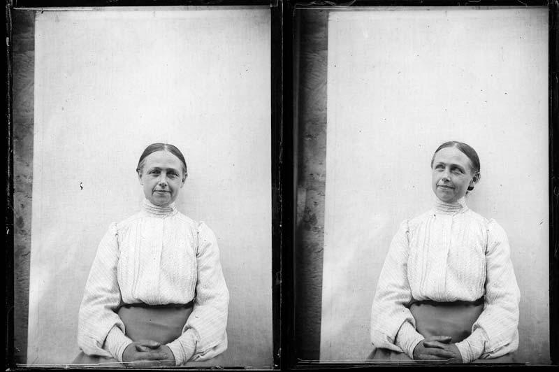 Photographie sur plaque de verre d'Isabelle, la soeur cadette d'Arthur, et ses «mains d'assassin», que devait avoir aussi le poète.