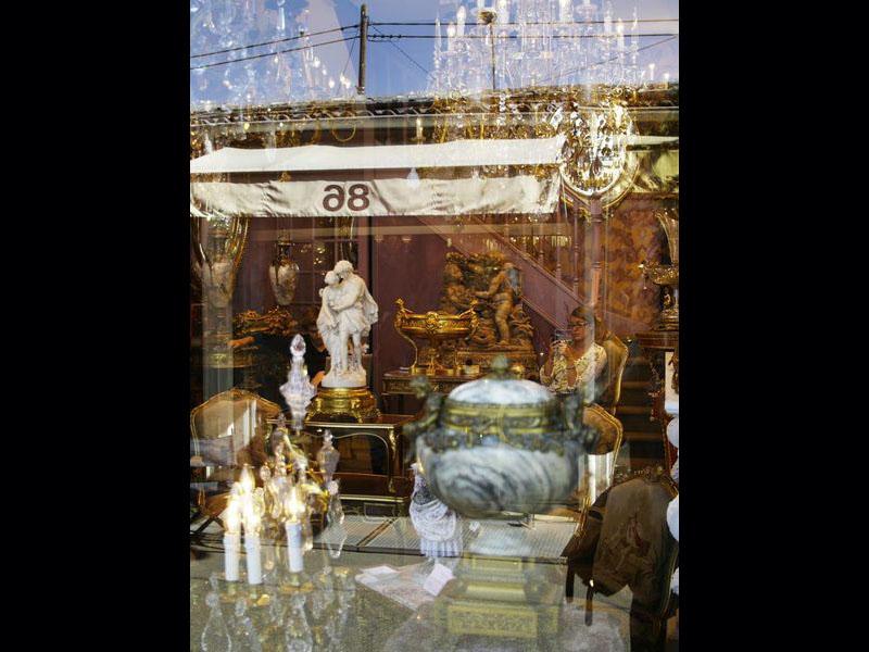 Objets baroques dans le Quartier Biron.