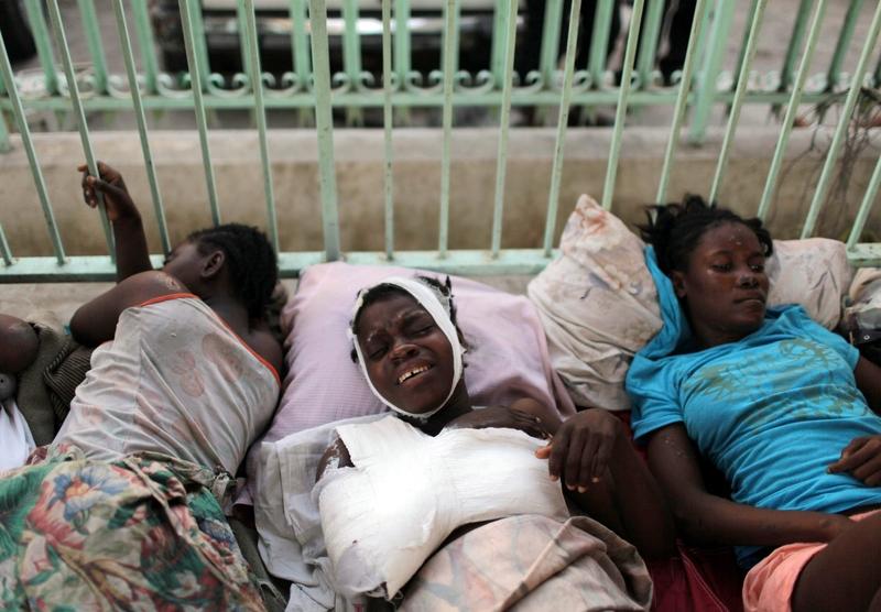 Les blessés affluent toujours vers des centres de soins débordés, où les amputations se succèdent. Ici, au centre hospitalier de la Renaissance à Port-au-Prince.