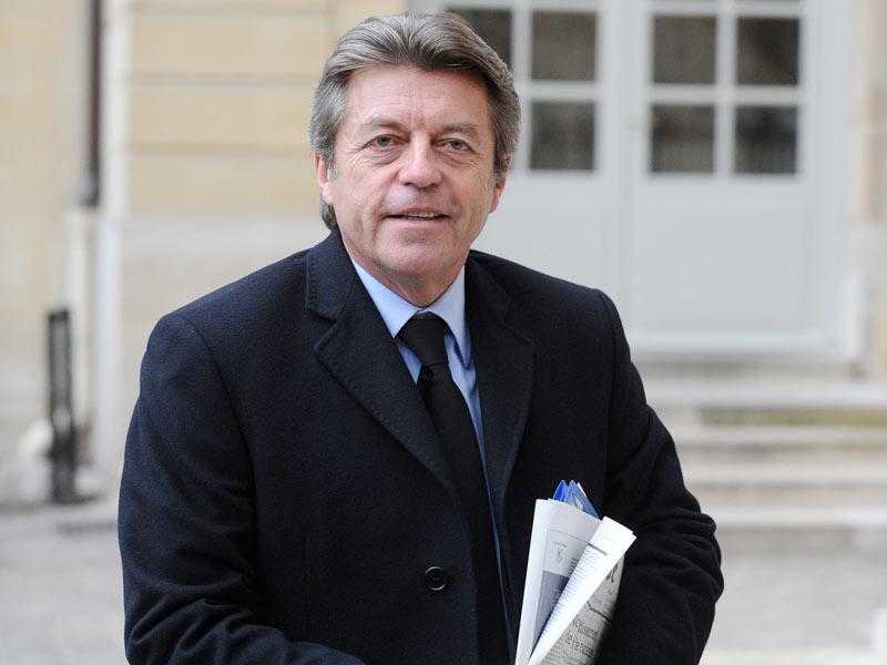 Alain Joyandet. Tête de liste en Franche-Comté, le secrétaire d'Etat à la Coopération et maire de Vesoul faisait partie des meilleurs espoirs de la droite. Mais comme en 2004, le maintien du FN au second tour a permis à la gauche de l'emporter. Alain Joyandet a recueilli 38,36% des voix, contre 47,41% au PS.
