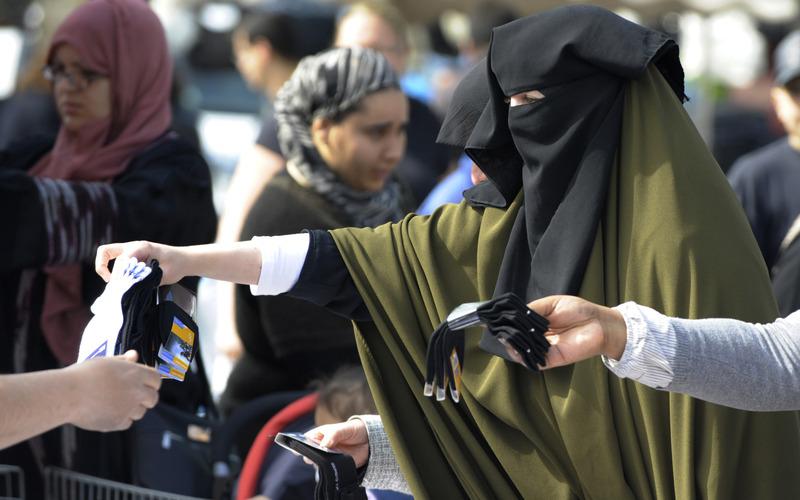Les diff rents types de voiles islamiques for Portent en arabe