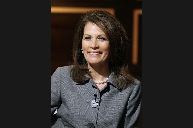 RETIRÉE - Représentante du Minnesota âgée de 55 ans, la conservatrice Michele Bachmann était appréciée par la mouvance «Tea Party». Elle avait remporté en août une élection-test symbolique dans l'Iowa, avant de plonger dans les sondages. C'est précisément à l'issue du caucus de l'Iowa, où elle est arrivée en sixième position avec 5% des votes, qu'elle a jeté l'éponge. Elle était la seule femme candidate.