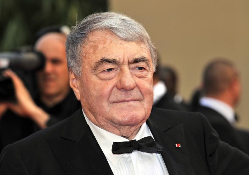 Le réalisateur Claude Lanzmann, à qui l'on doit notamment le film Shoah sur le génocide des juifs d'Europe, a lui aussi été décoré en tant que grand officier.