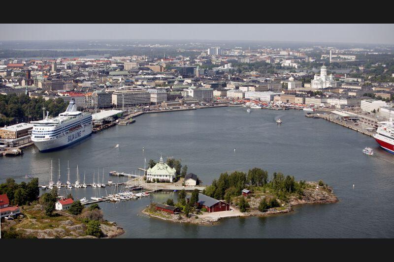 7 - Helsinki, capitale finlandaise et seconde ville européenne intégrée au Top 10. Lors du dernier recensement en 2010, la ville comptait 584.420 habitants, soit 11% de la population totale du pays.