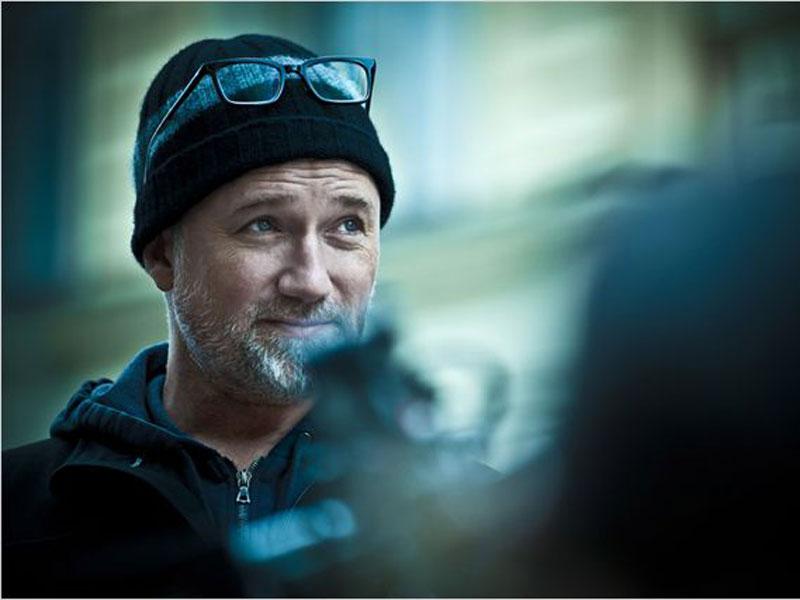 Meilleur réalisateur : David Fincher pour MilléniumLe remake américain de Millénium, supérieur à la version suédoise, a confirmé la suprématie de David Fincher sur le cinéma hollywoodien. Fincher est tout simplement l'un des meilleurs réalisateurs du moment et nous aurions aimé que l'Académie des Oscars en fasse état dans ses nominations. Au passage, nous aurions ajouté Millénium à la catégorie meilleur scénario adapté.