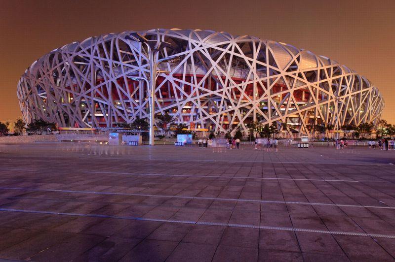 PEKIN 2008 - Le fameux nid d'oiseau fut l'une des attractions des Jeux olympiques de Pékin. Pouvant accueillir près de 91.000 personnes, c'est bien sa structure extérieure en acier qui par ses enchevêtrements a marqué les esprits.