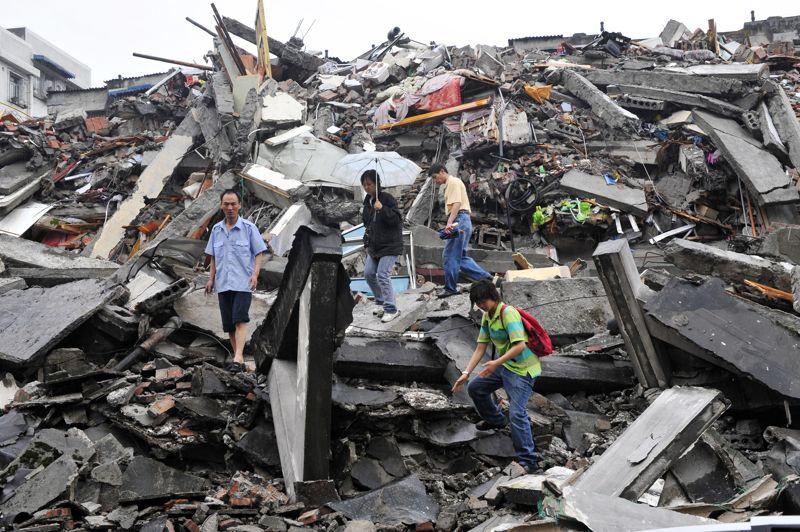 CHINE - Le séisme du Sichuan (centre-ouest) du 12 mai 2008 est la catastrophe naturelle la plus coûteuse d'un point de vue économique dans toute l'histoire de la Chine. Les dégâts causés ont représenté près de 85 milliards de dollars. Près de 90.000 personnes ont perdu la vie.
