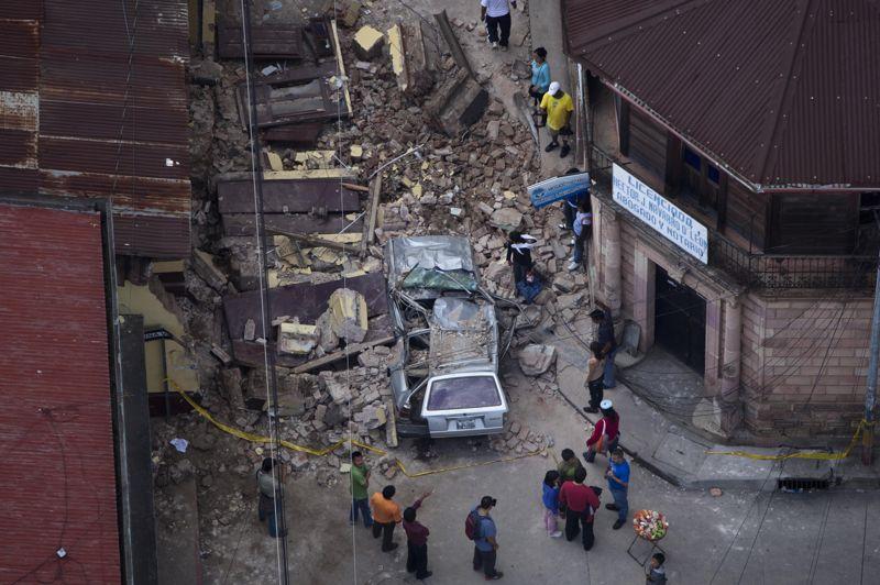 Ce tremblement de terre sous-marin, d'une magnitude de 7,4, a été enregistré à 17h35 heure de Paris, a annoncé le Centre américain de géophysique (USGS). Il a eu lieu à 41,6 kilomètres de profondeur, son épicentre s'étant situé en mer à 24 kilomètres au sud-ouest de la ville de Champerico.
