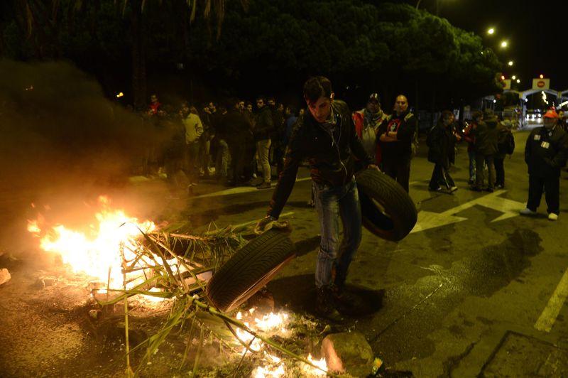 À Barcelone, les manifestants ont commencé à entraver les voies de circulation dès hier soir.