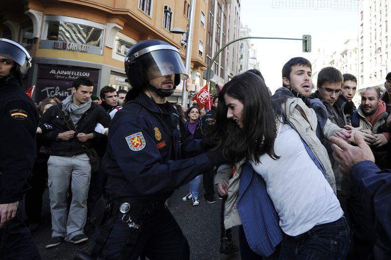 À Madrid, les protestations ont donné lieu à des affrontements entre la police et les manifestants.