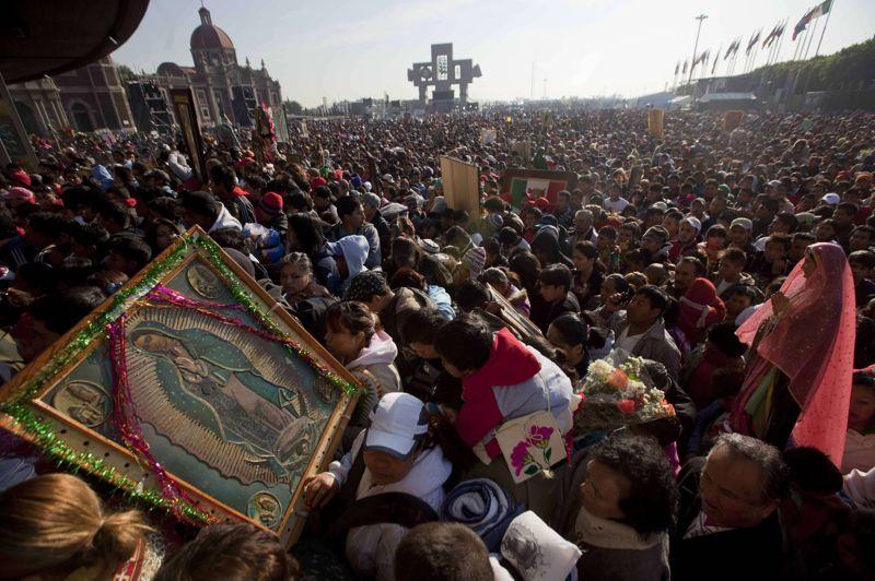 Pèlerinage. Ils étaient des millions à arriver de tout le Mexique mercredi, convergeant vers le parvis de la basilique de Mexico. Un rendez-vous donné chaque année le 12 décembre, pour l'un des plus grands pèlerinages chrétiens. Une foule innombrable de croyants s'est ainsi rassemblée dans la capitale mexicaine pour prier Notre Dame de Guadalupe, la «Vierge noire». Un véritable symbole national.
