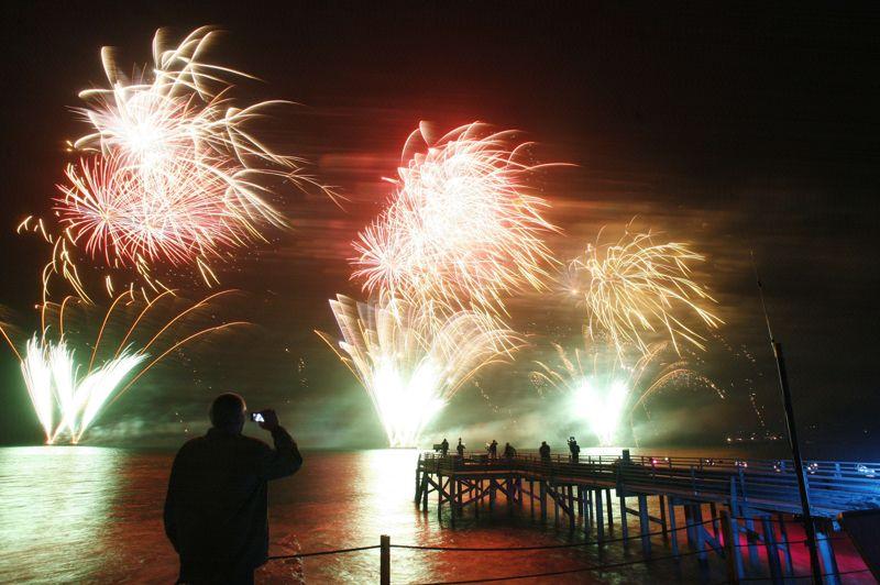 Pour fêter 2013, la mairie de Dakar avait promis le «plus grand feu d'artifice» de son histoire, utilisant six tonnes de produits pyrotechniques.