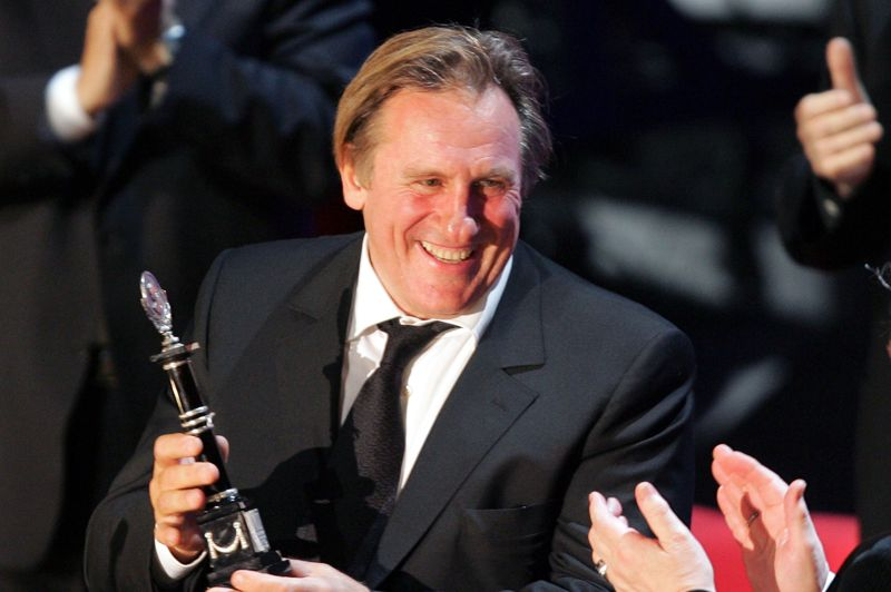 Lors de ce festival, Gérard Depardieu reçoit un prix spécial d'interprétation pour célébrer sa brillante application de la «méthode Stanislavski» - des préceptes dont s'inspire notamment le célèbre Actor's Studio de New York.