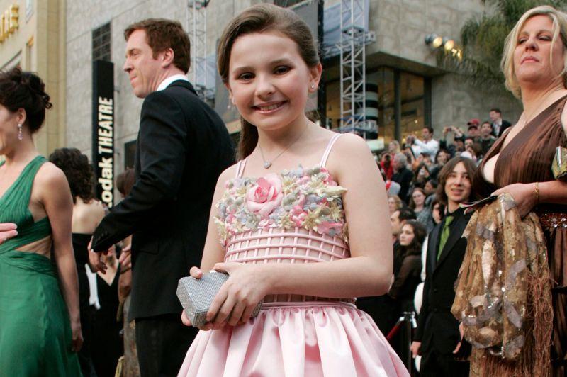 Abigail Breslin est à la fois touchante et drôle, dans Little Miss Sunshine. Avec sa joie de vivre, elle attendrit l'Académie des Oscars. En 2007, cette dernière la met en compétition pour l'Award de meilleure actrice dans un second rôle. Elle a alors 10 ans.