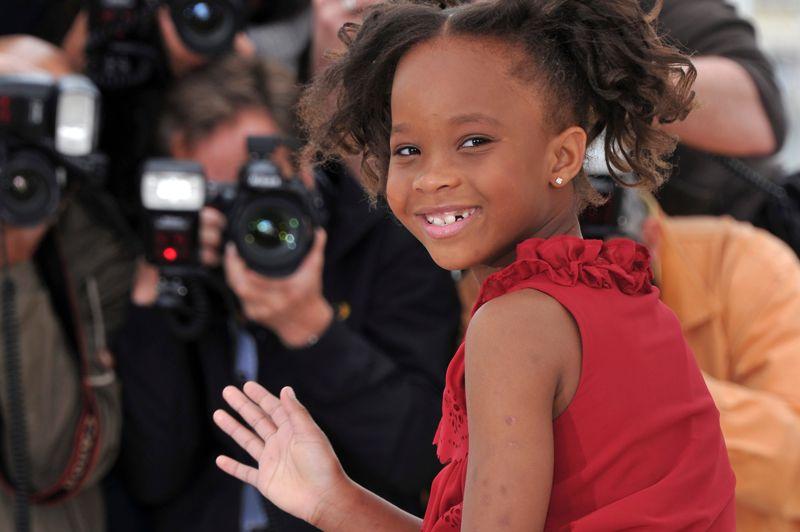 Cette année, avec sa nomination, Quvenzhané Wallis (9 ans) devient la plus jeune fillette à être nommée aux Oscars. Dans Les Bêtes du sud sauvage, elle interprète à merveille la petite Hushpuppy, une enfant farouche et pleine de vie. Elle avait 5 ans au moment du tournage.