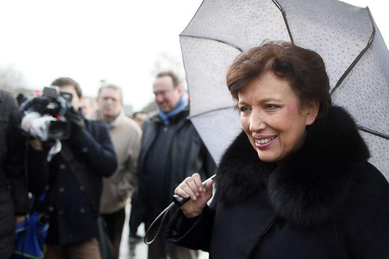 Roselyne Bachelot, l'ancienne ministre de Nicolas Sarkozy reconvertie depuis la rentrée en chroniqueuse télé, est aussi venue manifester ce dimanche. Également présents dans le cortège le footballeur Lilian Thuram et sa compagne, l'animatrice Karine Lemarchand.