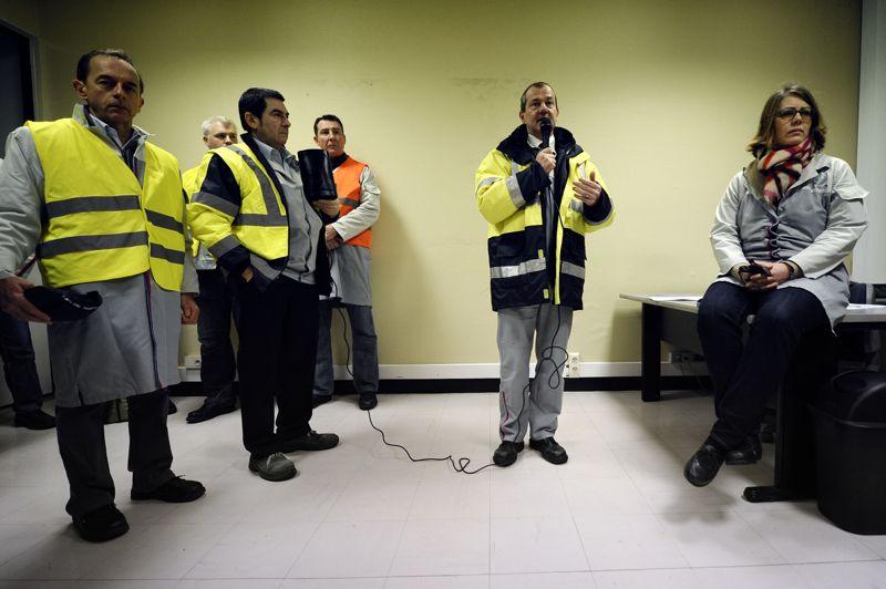 Les 200 cadres arrivés en renfort devaient «faire respecter le droit de grève et faire en sorte que la liberté du travail soit respectée» afin de «rassurer» les salariés et que «chacun puisse se comporter librement», a résumé le directeur du site, Laurent Vergely.
