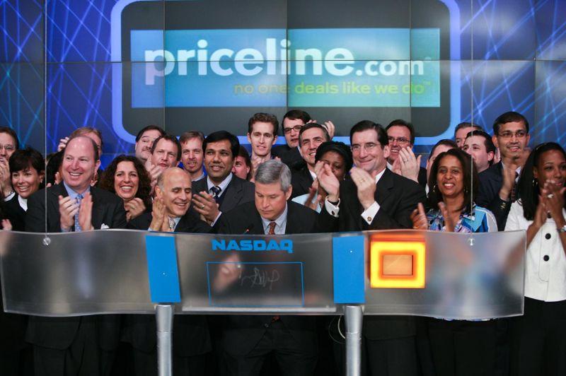 Fondée en 1997, Priceline est une société qui permet aux internautes d'acquérir des billets d'avions et des séjours à des prix avantageux. Elle a acquis sa notoriété grâce à son système «Name your own price» qui envoyait l'internaute en vacances dans un lieu aléatoire, selon les différents critères - prix du vol, prix de l'hôtel, zone géographique - qu'il mentionnait sur le site. Le site web Priceline a engrangé 2,3 milliards d'euros en 2012, soit 73 euros par seconde.