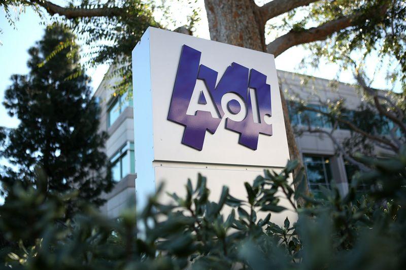 AOL est une société américaine de services Internet fondée en 1991, qui s'appelait à l'origine America Online avant d'être rebaptisée AOL en 2006. Son site a généré 1,8 milliard d'euros en 2012, soit 58 euros par seconde. La société est également propriétaire du site le Huffington Post.