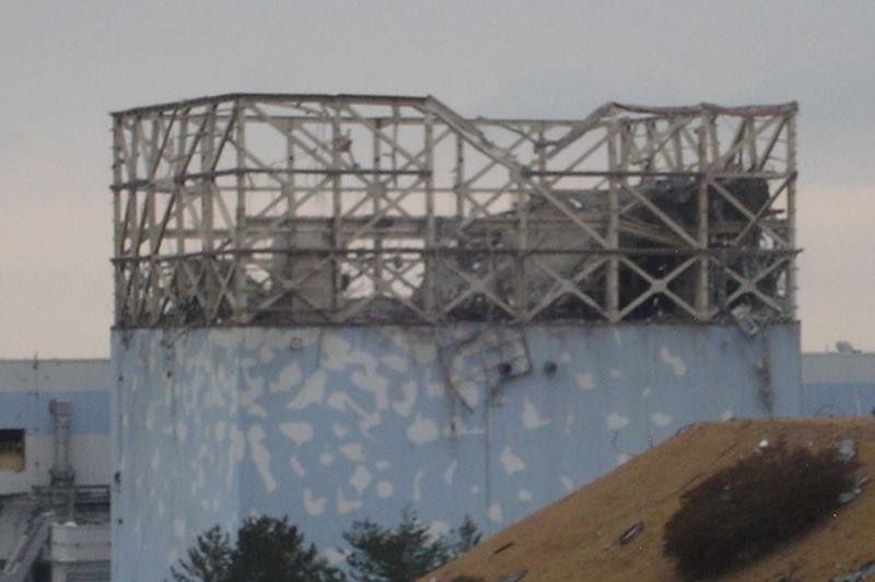 Bâtiments éventrés, débris irradiés jonchant le sol, robots nettoyeurs: ces images montrent les dégâts causés par le tsunami et l'explosion de certains bâtiments. Elles ont été prises entre le 15 mars, lendemain de la catastrophe, et le 11 avril 2011. Ces milliers d'images ont été capturées par les «liquidateurs», les agents chargés de sécuriser le site dès le lendemain de la catastrophe. Photo prise le 15 mars 2011.