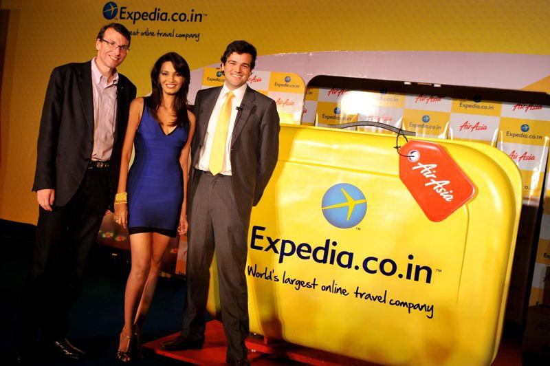 Expedia est une société américaine fondée en 1996 spécialisée dans la vente de voyages en ligne, qui exploite plus de 90 marques dans plus de 60 pays. En 2012, le site Expedia a dégagé 2,5 milliards d'euros, ce qui équivaut à 80 euros par seconde.