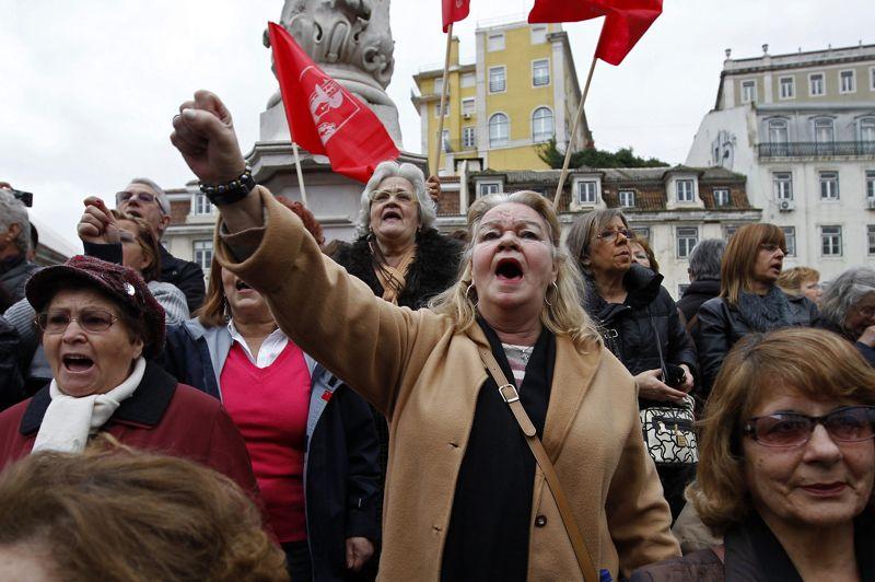 A Lisbonne, quelque 5.000 personnes ont défilé à l'appel de la CGTP, le principal syndicat portugais, promoteur de cette journée de protestation. Selon cette organisation , plusieurs dizaines de milliers de personnes ont manifesté à Porto , au nord du pays, et plusieurs milliers dans le sud notamment à Faro et Portimao.