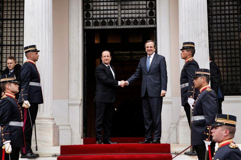 Austère. Le président français est arrivé mardi en Grèce pour apporter son «soutien» à ce pays en crise et promouvoir une politique de croissance contre «l'austérité sans fin» alors que la France envisage elle-même de nouvelles économies pour réduire ses déficits. François Hollande, dont la visite intervient à la veille d'une journée de grève générale contre l'austérité en Grèce, a été accueilli, à Athènes par le Premier ministre Antonis Samaras