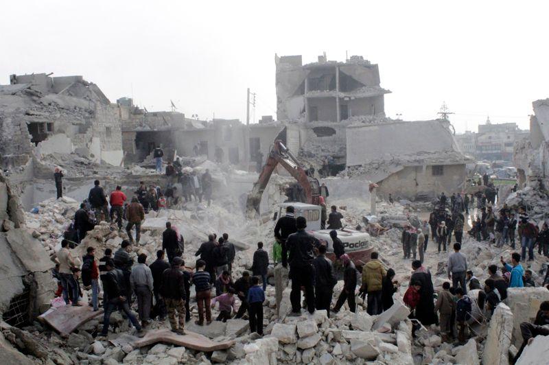 Missile. Au moins 19 personnes, dont trois femmes et six enfants, ont été tuées et des dizaines d'autres blessées par l'explosion d'un missile sol-sol sur un quartier populaire d'Alep, dans le nord de la Syrie, a indiqué l'Observatoire syrien des droits de l'homme. «C'est vraisemblablement un missile sol-sol en raison de l'ampleur des destructions et du fait qu'il n'y a eu qu'un seul tir, sans que les habitants fassent état de survols de l'aviation», ajoute l'OSDH.