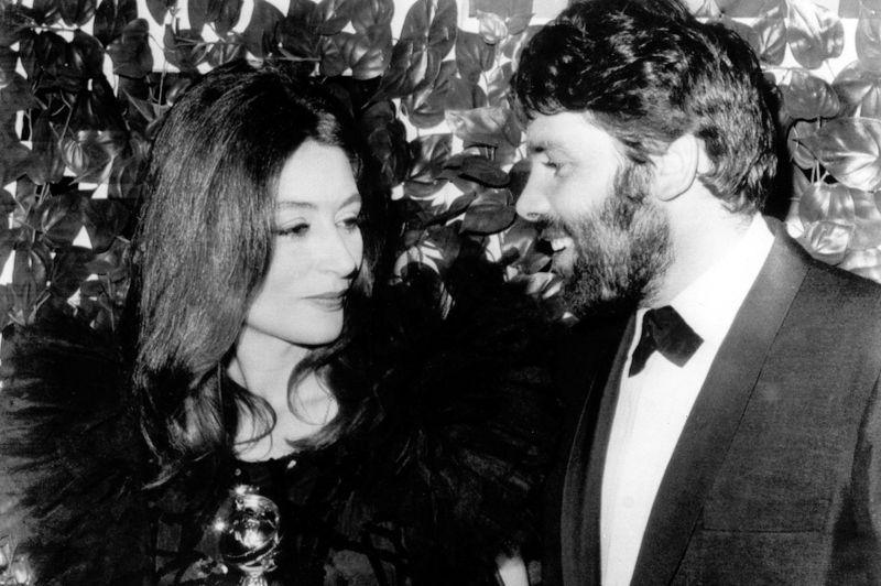 1967 voit le triomphe d'un Homme et d'une Femme de Claude Lelouch. Le film reçoit quatre sélections aux Oscars dont celles de meilleur réalisateur et meilleure actrice pour son héroïne Anouk Aimée. Le film remportera finalement les trophées de meilleur film étranger et meilleur scénario