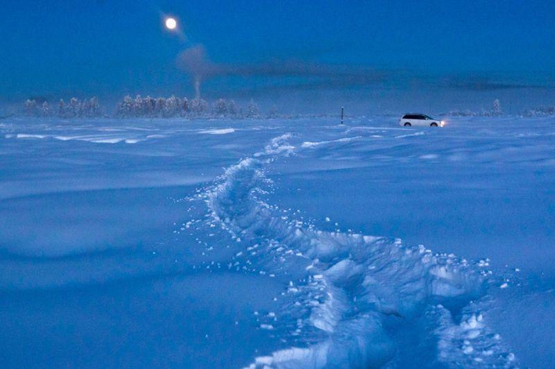 Ils voulaient notamment recuillir des informations sur la faune et la flore de ce lac, qui gèle très lentement même à des températures extrêmement basses - un mystère pour les scientifiques.