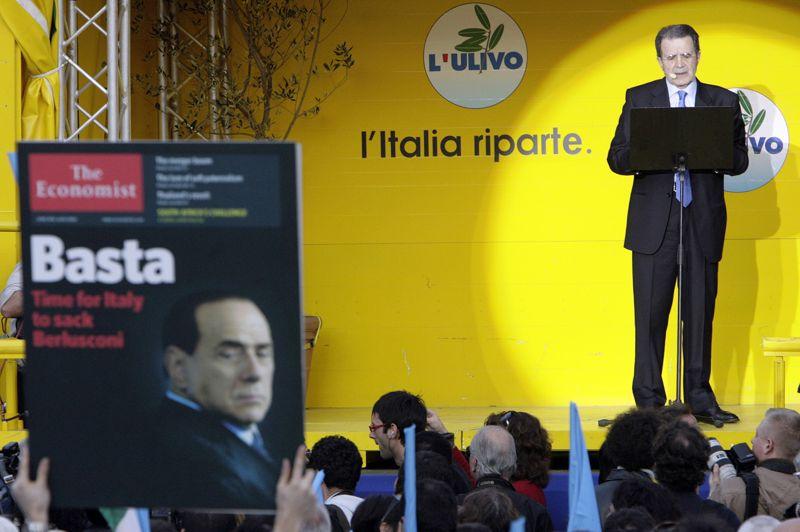 AVRIL 2006. Au terme d'une campagne marquée par les insultes, l'Unione, la coalition conduite par Romano Prodi (photo) bat sur le fil la Maison des Libertés avec 24.000 voix d'écart, le plus mince jamais connu en Italie. Le propriétaire du Milan AC était en passe de réussir un énième come-back, amorçant une remontée étonnante dans les sondages, même si l'Italie fait une nouvelle fois figure d'»homme malade de l'Europe», avec une économie en panne et une dette en hausse. Il faudra attendre le vote des Italiens de l'étranger pour départager les deux camps.
