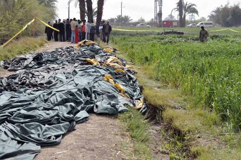 Explosion meurtrière. Le bilan est lourd. Dix-neuf personnes, dont deux Français, ont été tuées mardi matin dans l'explosion d'une montgolfière dans le sud de l'Egypte. La montgolfière volait à une altitude de 300 mètres au-dessus de Qourna avec 21 personnes à bord, quand elle a pris feu et explosé. Les deux survivants ont été transférés dans un hôpital de la région. Le 25 avril 2009, déjà, seize touristes étrangers avaient été blessés dans un accident similaire à Louxor.
