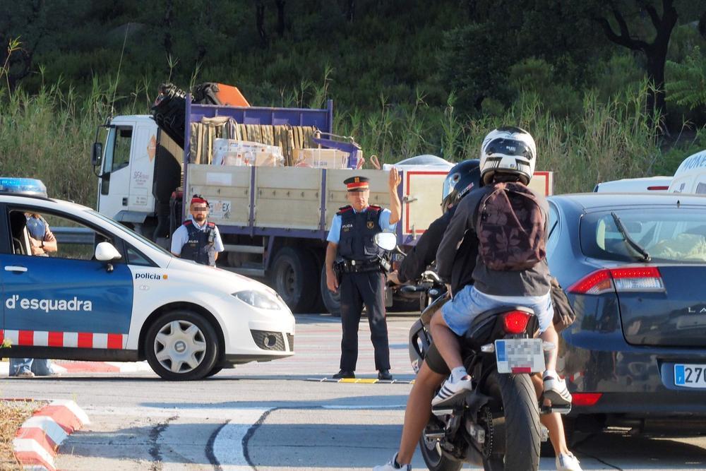 Attentat de Barcelone : le conducteur de la camionnette toujours en fuite