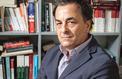 En 2003, Xavier de Bartillat publie La France qui tombe et lance le débat sur le déclin français