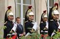 Emmanuel Macron agite la menace du référendum