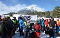 À la frontière franco-italienne, les montagnards marchent pour les migrants