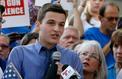 #NeverAgain, la colère des lycéens endeuillés par la fusillade en Floride
