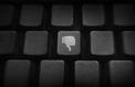 «Twitter, Facebook... Ne pas se résigner à la haine en ligne»