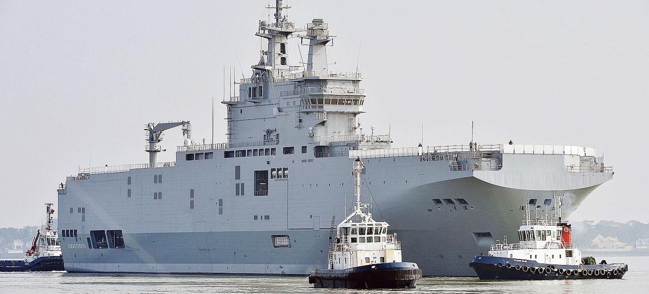 Le navire de guerre de la marine française Sébastopol, le 16 mars, à Saint-Nazaire.