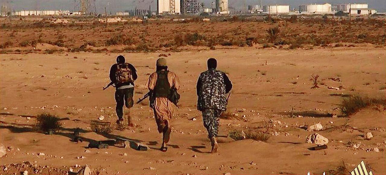 لوفيغارو: داعش تحقق «اختراقًا مذهلاً» في ليبيا XVM4f35ef4a-0f73-11e5-b744-d7eee8229314