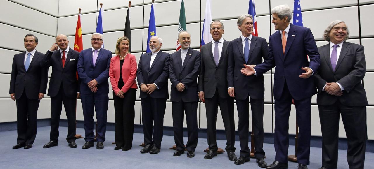 Photo de groupe, mardi à Vienne, en Autriche, des représentants des pays signataires avec l'Iran de l'accord sur son programme nucléaire.
