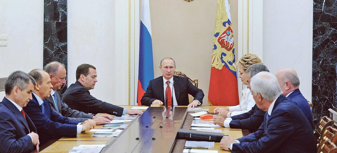 Vladimir Poutine, au Kremlin la semaine dernière, dirige un Conseil des ministres sur la sécurité.