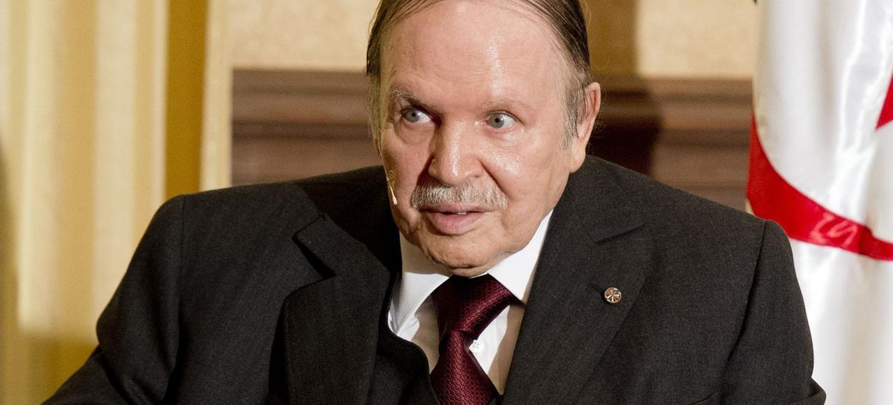 Abdelaziz Bouteflika, le 15 juin dernier à Alger, pendant la visite de Francois Hollande à sa résidence privée de Zeralda.