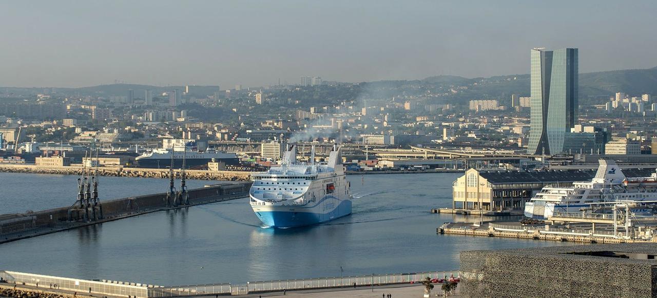 marseille r 234 ve d un port pour les yachts de luxe