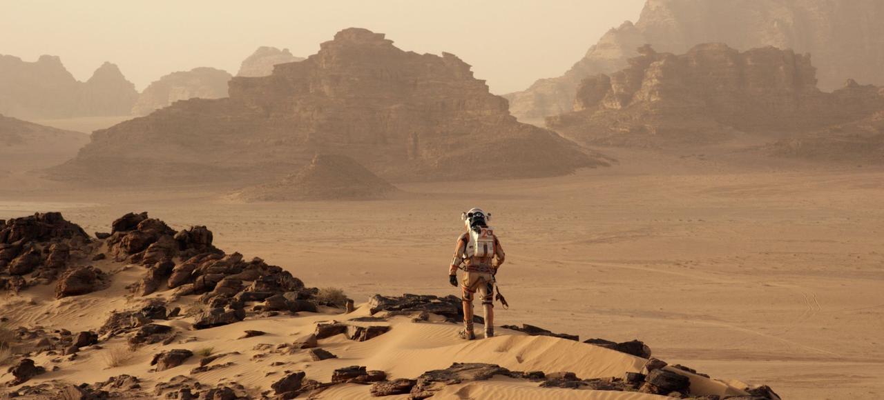 Dans le film «Seul sur Mars», Matt Damon joue le rôle d'un botaniste oublié sur Mars. Il se pose les mêmes questions que beaucoup de scientifiques: comment survivre sur la planète rouge...