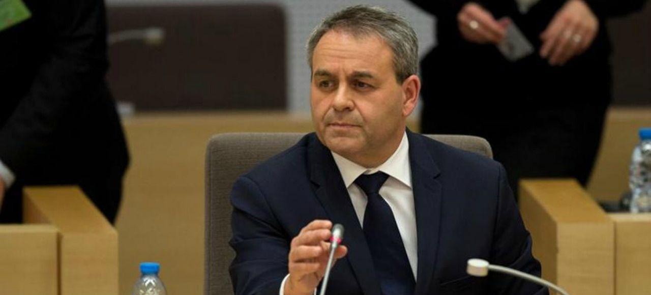 Xavier Bertrand après sa prise de fonctionà la tête de la région Nord-Pas-de-Calais- Picardie, lundi à Lille.