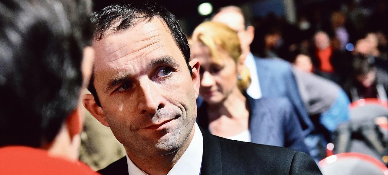 Le député PS Benoit Hamon (ici à Créteil, le 9 décembre dernier) dénonce «une sorte de migration des mesures de l'état d'urgence vers le droit commun».