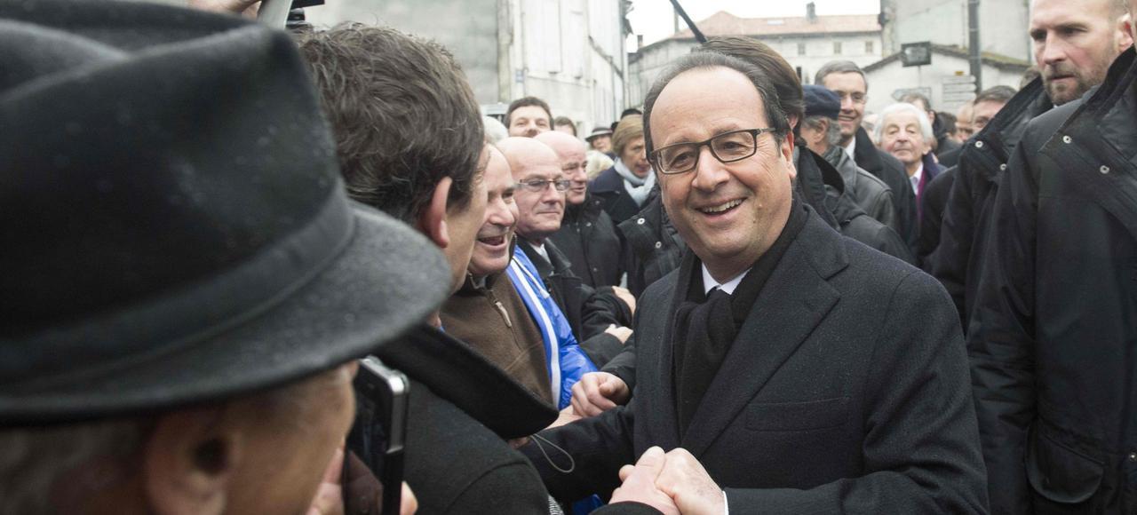 Pour Hollande, s'inscrire dans les pas de Mitterrand est davantage une figure imposée que la manifestation d'une fidélité ou la revendication d'un héritage.