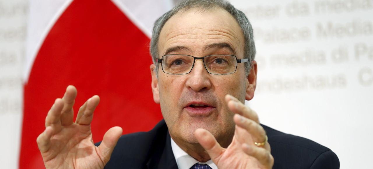 Guy Parmelin, ministre de la Défense suisse, a fait un apprentissage d'agriculteur.