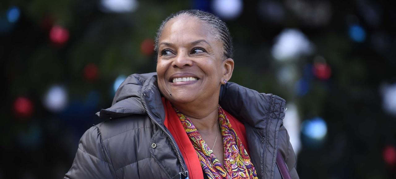 Christiane Taubira quitte le palais de l'Élysée le 4 janvier 2016 après le Conseil des ministres.